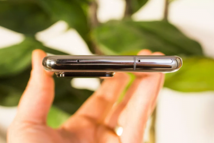 Samsung wants to shrink the camera phone hump to a leaner size 1